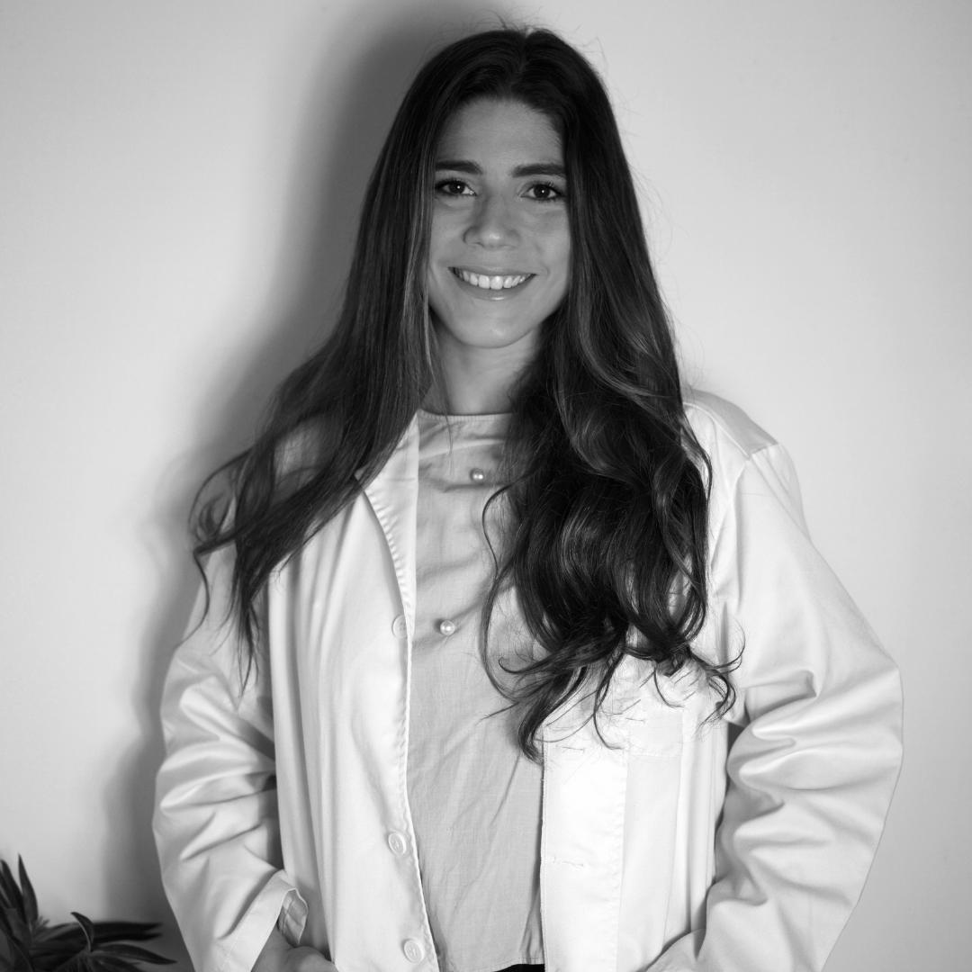 Dra. Alexsandra Estarita
